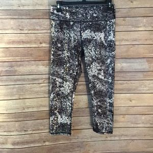 Fabletics marble and silver leggings